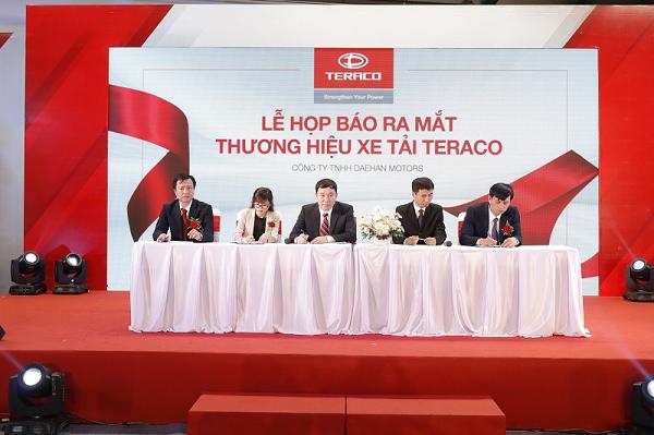 Lễ họp báo ra mắt thương hiệu xe tải Teraco.
